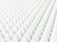 Pyramide 100x50cm aus BASOTECT® weiß 4cm