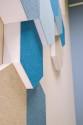Akustikschaumstoff Basotect® weiß Hexagon selbstklebend mit Akustik-Wollfilz
